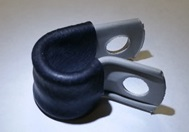 Kunststof bevestigings klemmetje met rubber t.b.v. montage remleidingen e.d.